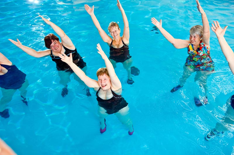 Acquagym il modo pi vivace di vivere l acqua piscina for Attrezzi per piscina