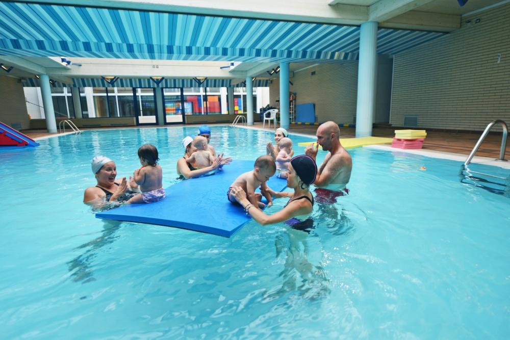 Archivi gallery piscina centro ferrero - Corsi piscina neonati ...