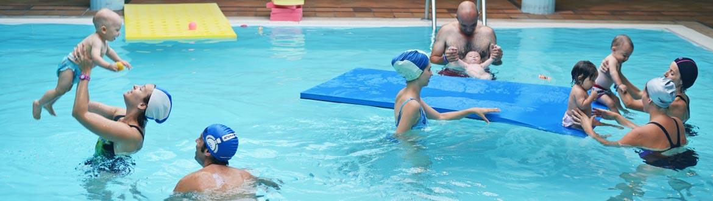 Mininuoto piscina del centro di riabilitazione ferrero - Corsi piscina neonati ...